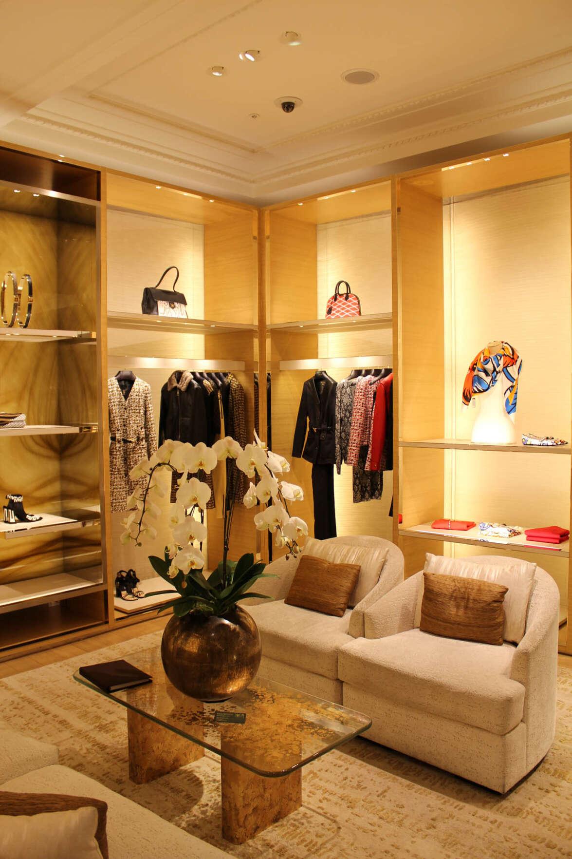 Louis Vuitton Stores